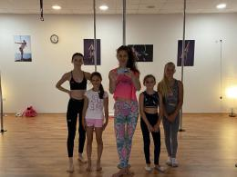 Poledance workout